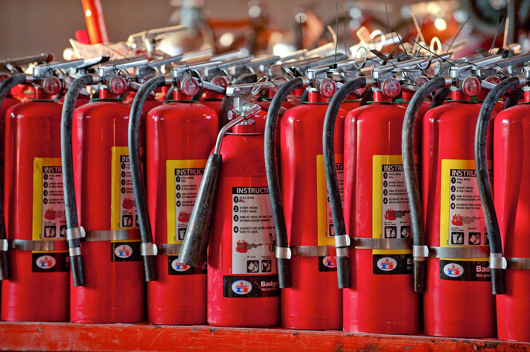 Огнетушители относятся к первичным средствам борьбы с возгоранием