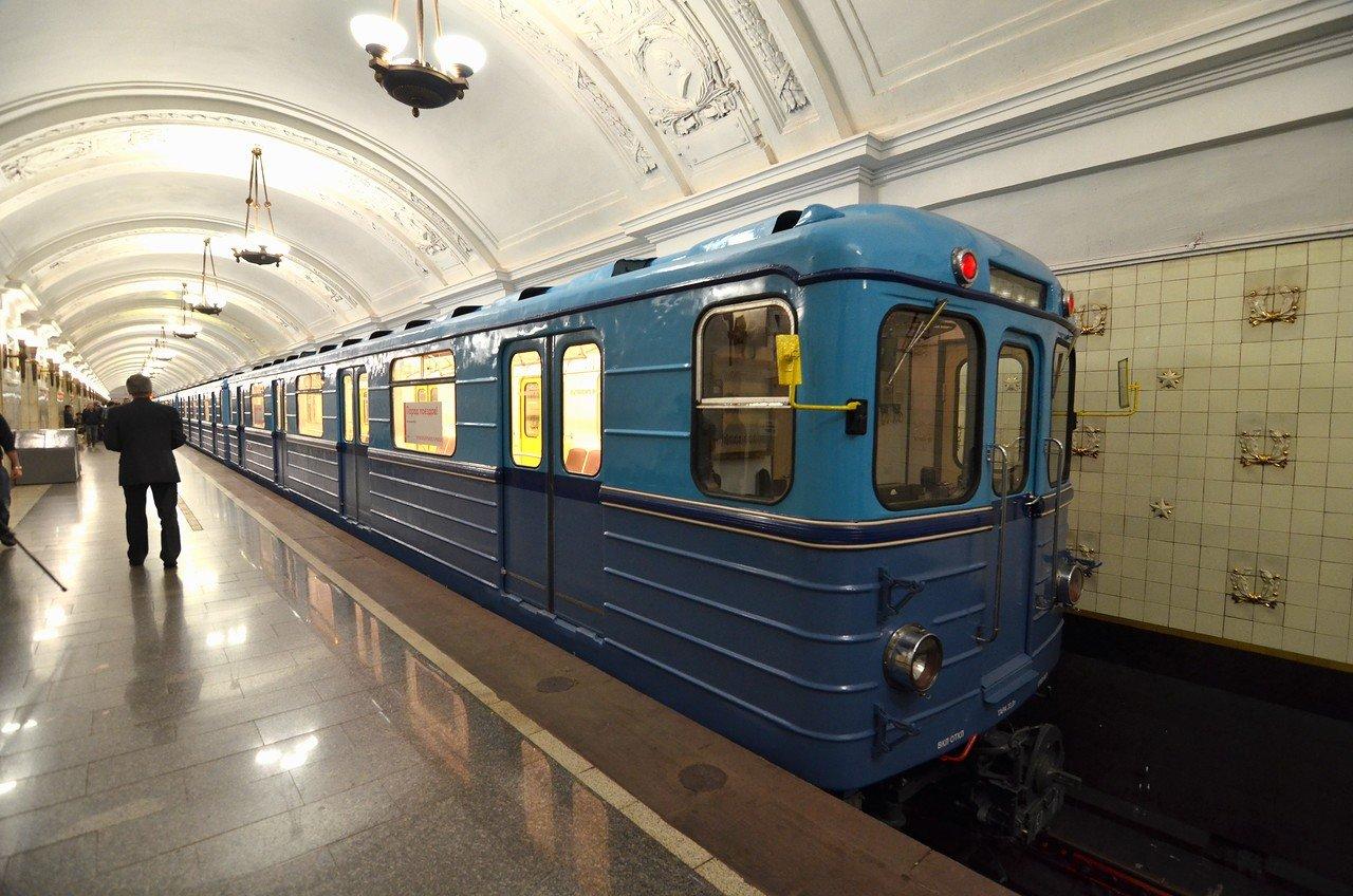 состав метро