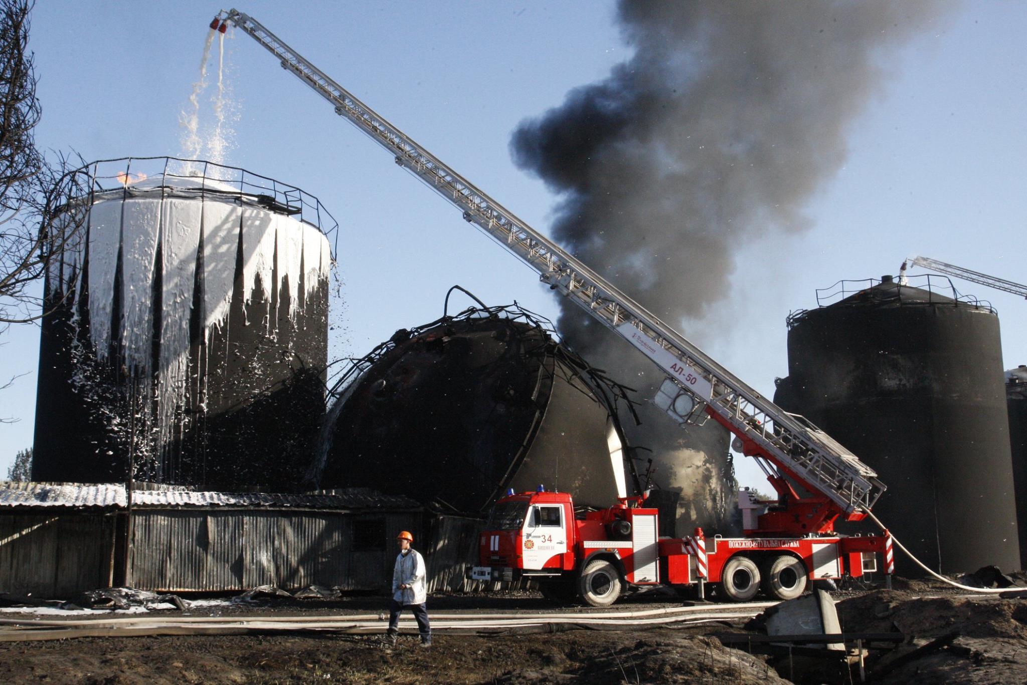 последствия пожара на нефтебазе