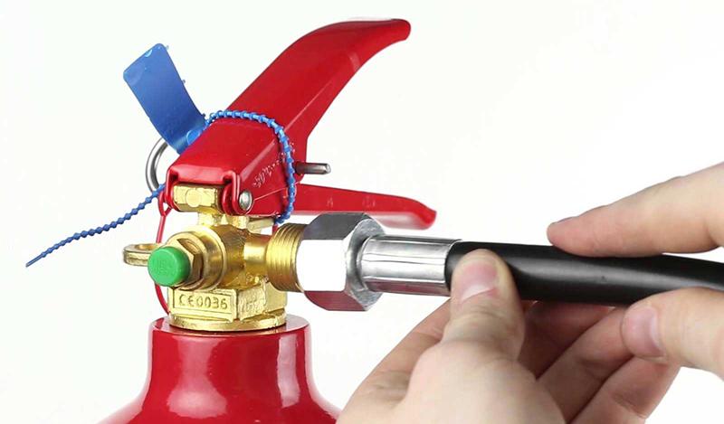 image-Как-происходит-заправка-углекислотных-огнетушителей