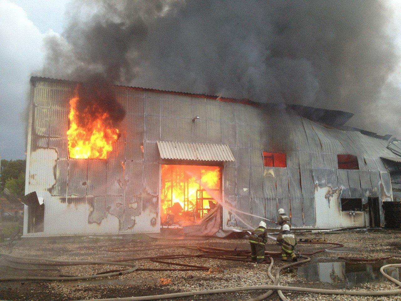 Пожары на складах - частое явление, причина: несоблюдение ППБ